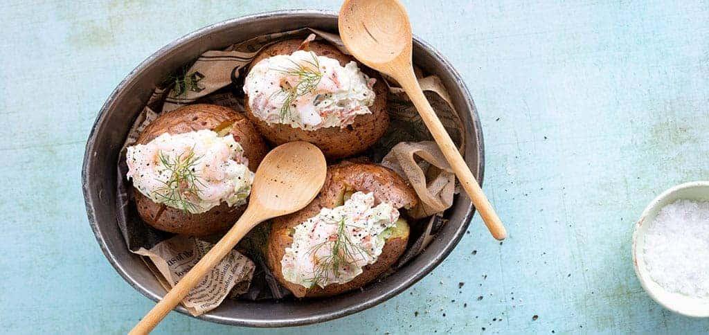 Uuniperunat kalatäytteellä resepti