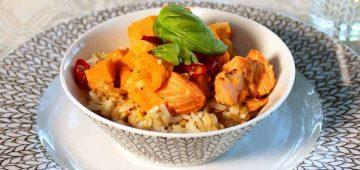 Kirjolohi-kasviscurry resepti